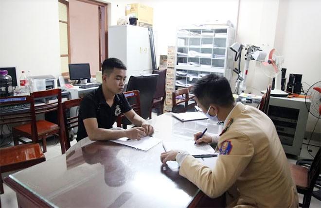 Trần Tuấn Ngọc tại cơ quan công an TP Thái Nguyên