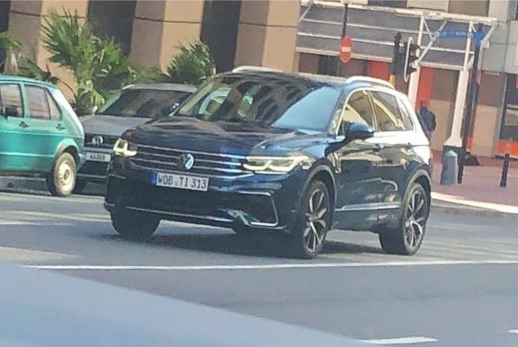 Volkswagen Tiguan 2021 bị bắt gặp trên đường phố