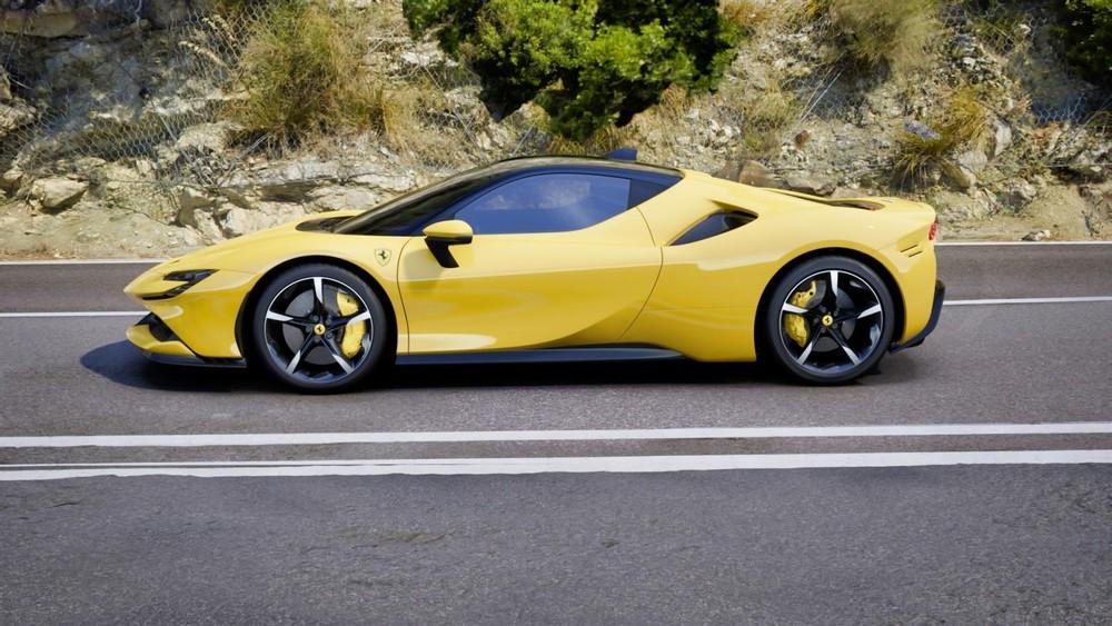 Ferrari SF90 Stradale có công suất tổng cộng 1.000 mã lực