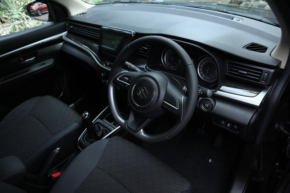 Nội thất bên trong Suzuki XL7 2020 tại Indonesia
