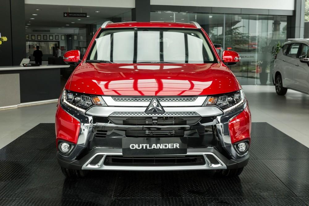 Mitsubishi Outlander 2020 nâng cấp mới ra mắt tại Việt Nam