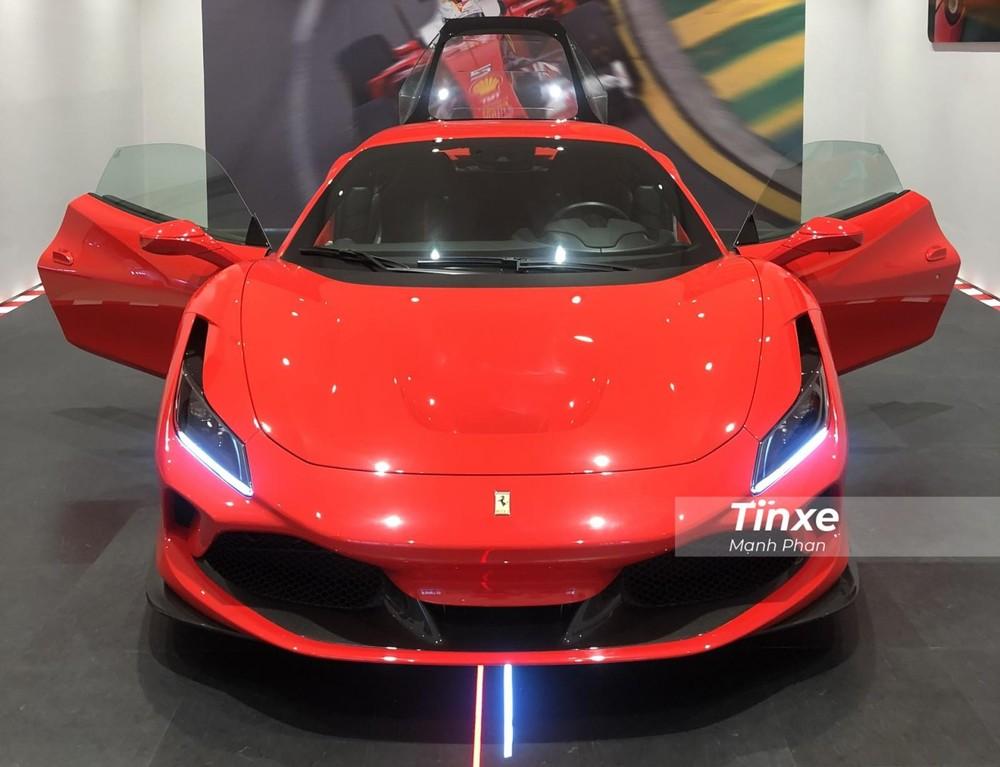 Siêu xe Ferrari F8 Tributo thứ 2 về Việt Nam