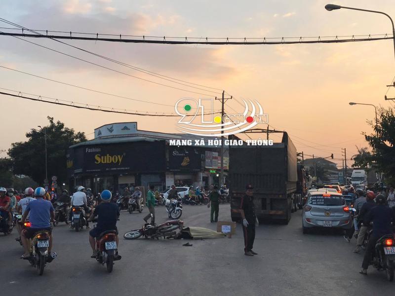 Vụ tai nạn làm giao thông qua khu vực này bị ùn tắc nghiêm trọng