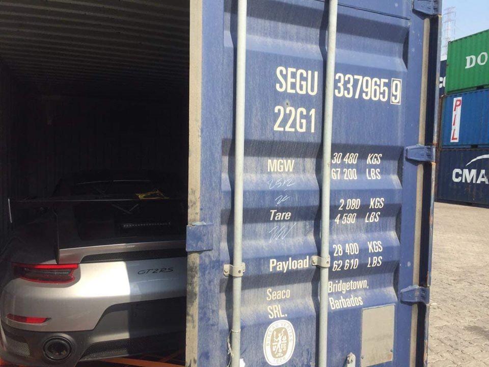Mở công siêu xe Porsche 911 GT2 RS thứ 4 có mặt tại Việt Nam