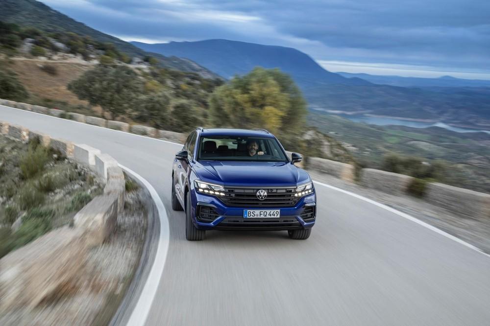 SUV hiệu năng cao Volkswagen Touareg R
