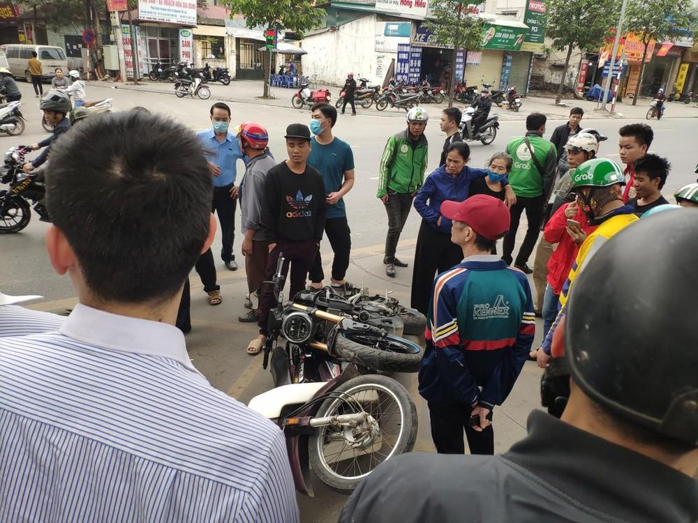 Ảnh hiện trường vụ tai nạn xảy ra trên địa bàn quận Hà Đông