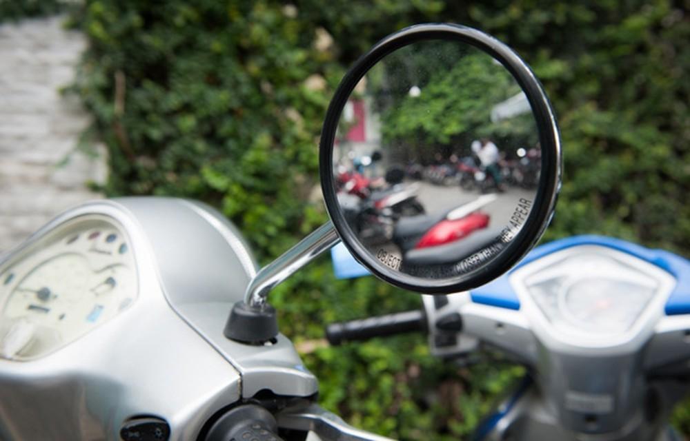 Lắp gương không đạt tiêu chuẩn, người điều khiển xe vẫn sẽ bị xử phạt