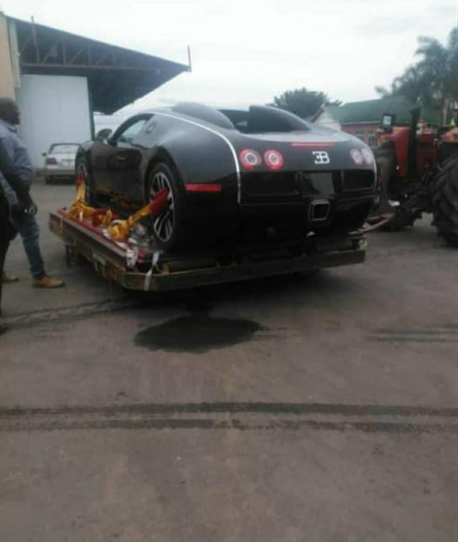 Chiếc xe này được cho là hàng hiếm Bugatti Veyron Sang Noir Special Edition