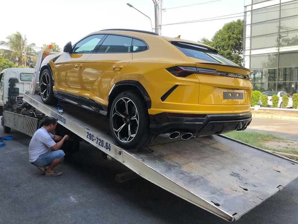 Đây chính là chiếc Lamborghini Urus thứ 4 về Việt Nam cách đây gần nửa năm