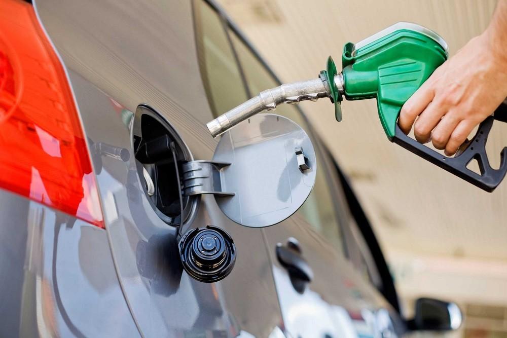 Cách nhận biết xe chạy xăng hay dầu đơn giản, chính xác