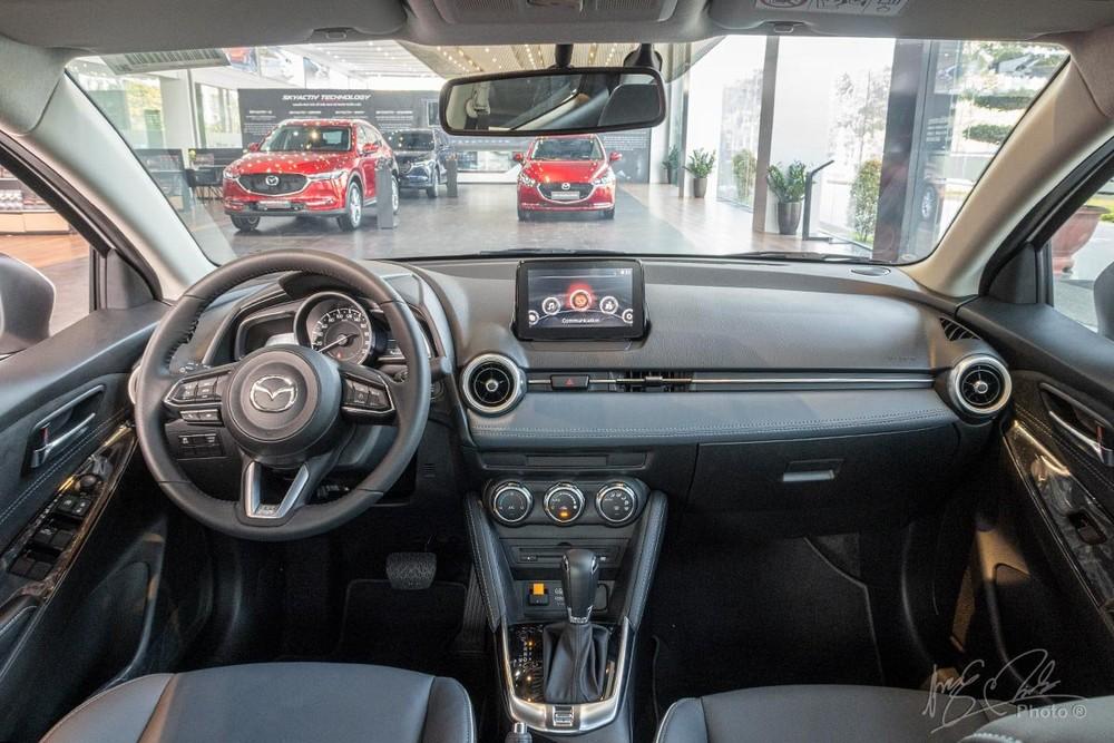 Nội thất của Mazda2 2020 không có nhiều thay đổi so với bản cũ