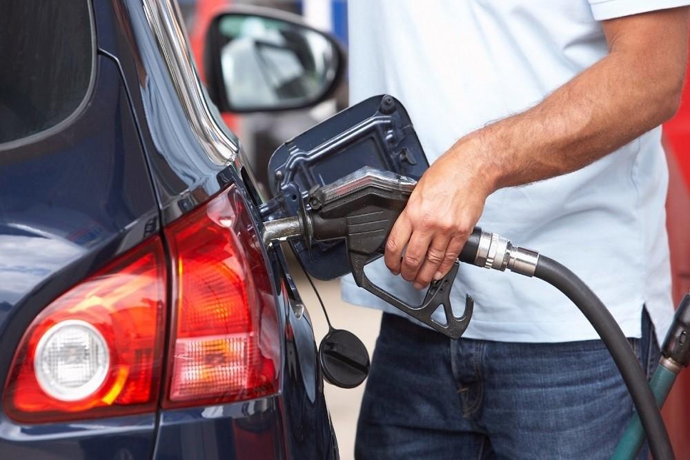 Cách chạy xe ô tô tiết kiệm xăng được nhiều người sử dụng xe quan tâm