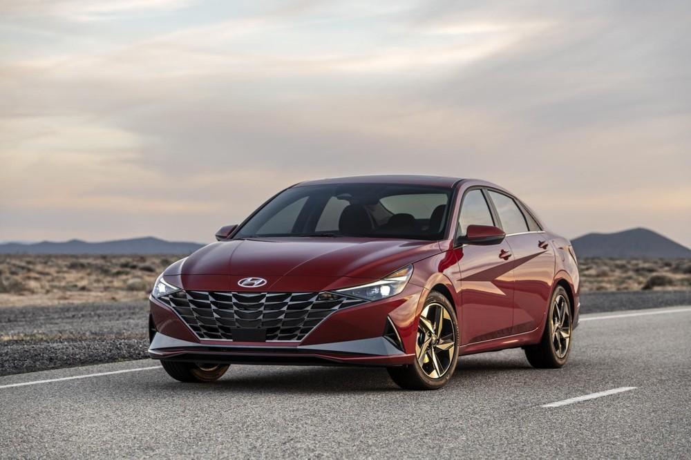 Hyundai Elantra 2021 có thêm phiên bản hybrid tiết kiệm xăng