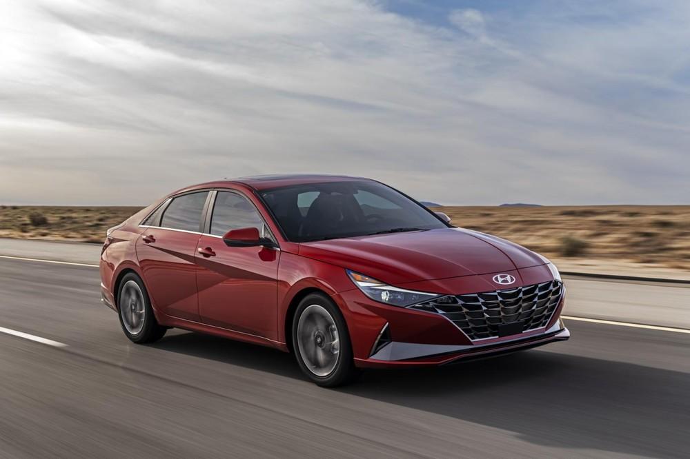 Hyundai Elantra 2021 được áp dụng ngôn ngữ thiết kế giống sedan cỡ trung Sonata mới