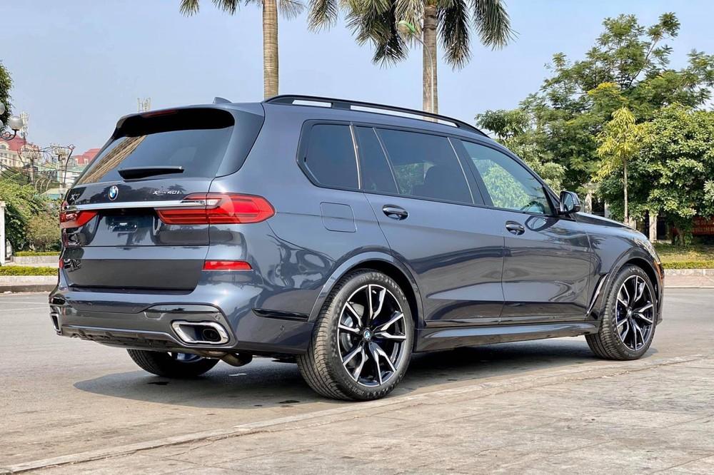 Giá bán lẻ đề xuất của BMW X7 chính hãng cao hơn xe nhập tư tới 500 triệu đồng
