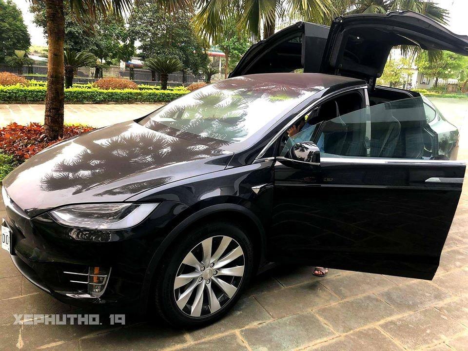 """Như vậy, Tesla Model X đầu tiên về Việt Nam trong năm 2020 đã định cư ở xứ """"rừng cọ đồi chè"""""""