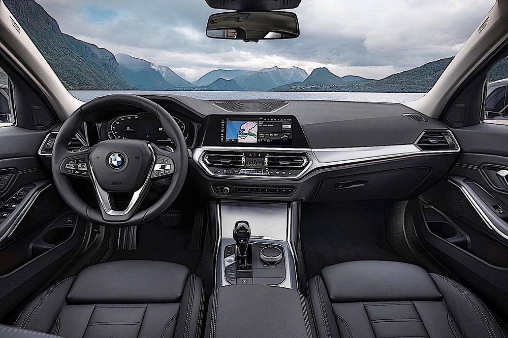 Tổng thể nội thất của 2 phiên bản BMW 320i 2020 sắp về giống với bản 330i Sport Line, khác biệt nằm ở trang bị tiện nghi