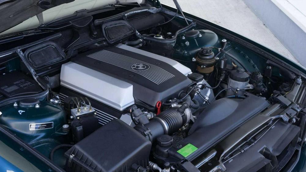 Động cơ của chiếc BMW 740i