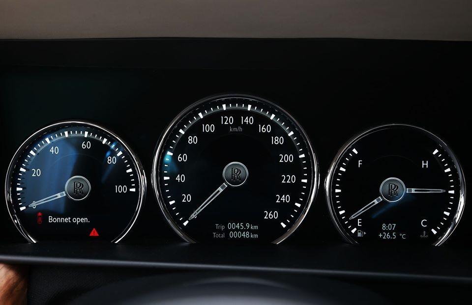 Chiếc Rolls-Royce Cullinan này mới lăn bánh 48 km