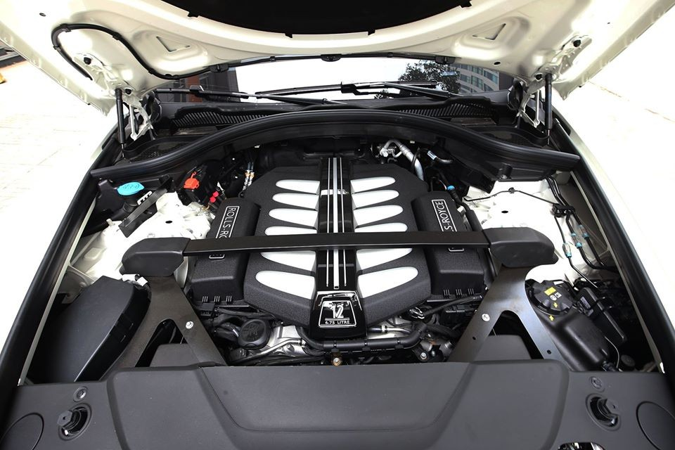 Động cơ V12 của xe Rolls-Royce Cullinan