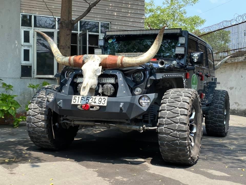 Cận cảnh diện mạo chiếc Jeep Wrangler Unlimited Sport được ông chủ Duy Lợi gọi là Jeep Vương