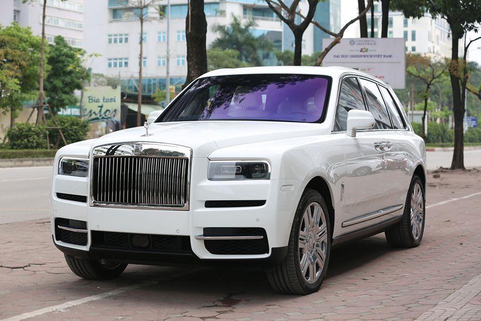 Chiếc Rolls-Royce Cullinan này về nước khá kín tiếng