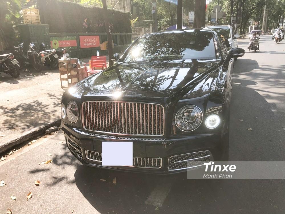 Xe siêu sang cực hiếm Bentley Mulsanne W.O. Edition trên đường phố Việt Nam