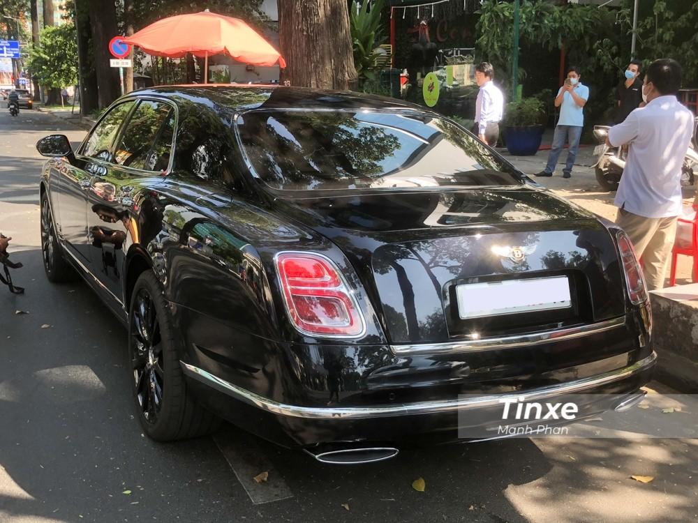 Cận cảnh 1 trong 100 chiếc xe Bentley Mulsanne W.O. Edition sản xuất trên toàn cầu đã có mặt tại Việt Nam