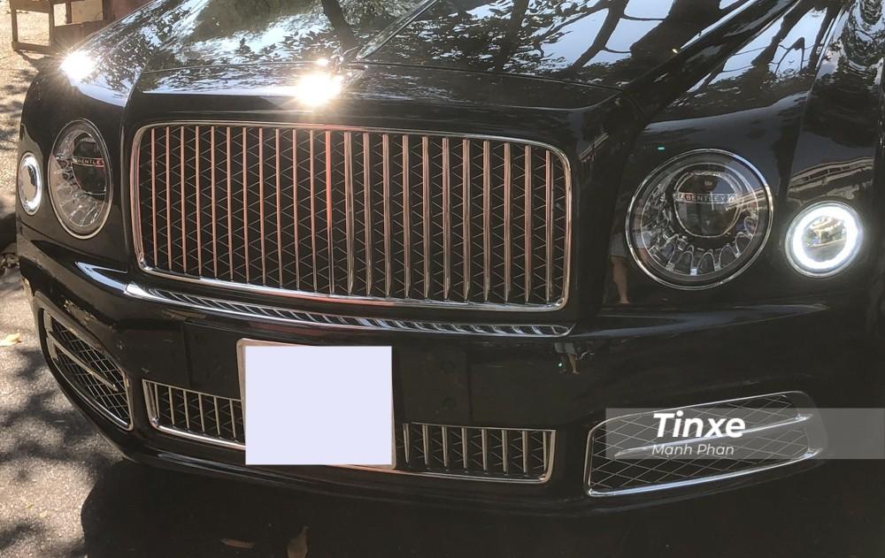 Chiếc xe siêu sang Bentley Mulsanne W.O. Edition độc nhất Việt Nam sở hữu ngoại thất màu Black Onyx