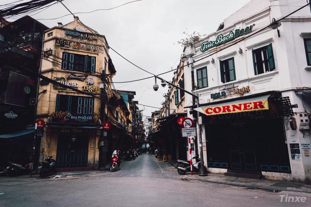 Ngã tư quốc tế Tạ Hiện - Lương Ngọc Quyến