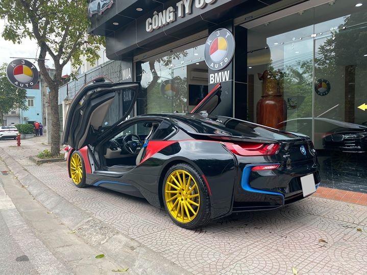 Chiếc BMW i8 đang rao bán 3,8 tỷ đồng đã lăn bánh hơn 48.000 km