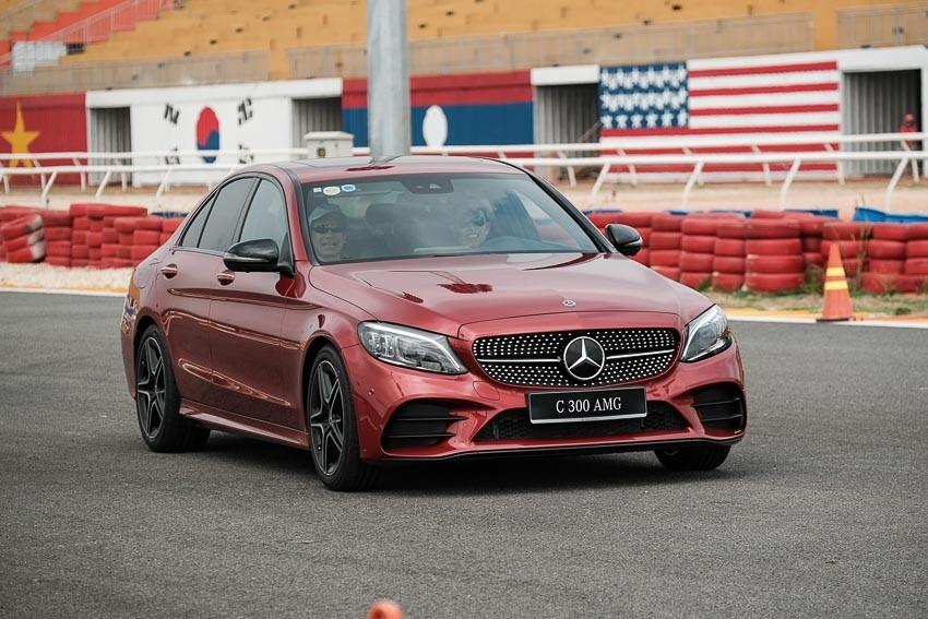 Các phiên bản của Mercedes-Benz C-Class đang nhận ưu đãi tới hơn 200 triệu đồng tại đại lý