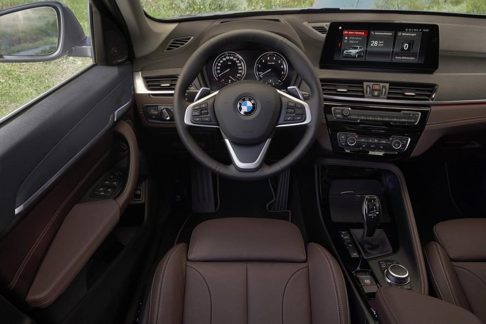 Nội thất bên trong BMW X1 2020