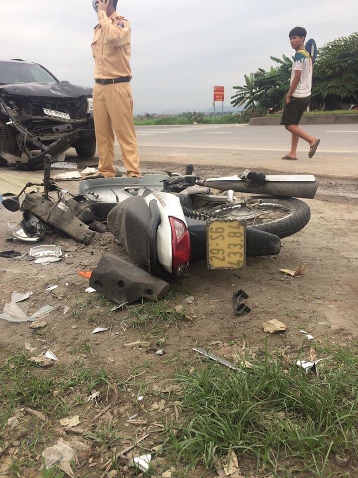 Chiếc xe máy biến dạng nặng sau vụ tai nạn