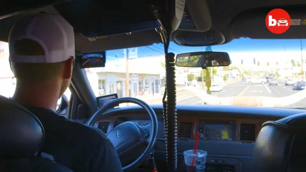 Cảm giác lái xe cao hơn hẳn mọi người khác chắc là rất thú vị