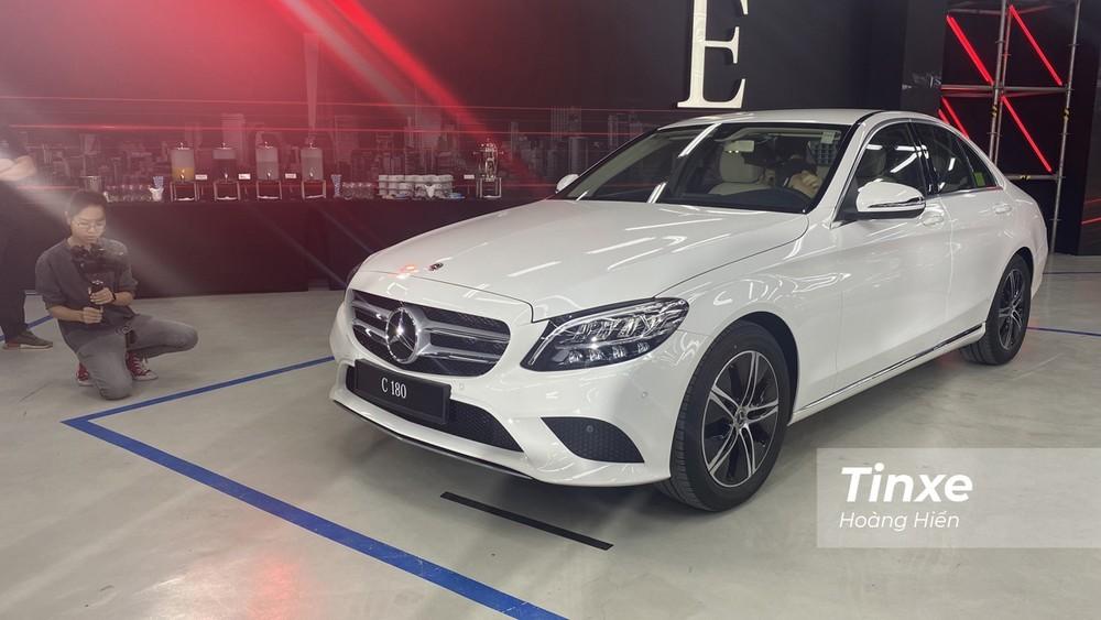 Giá xe Mercedes C180 2020