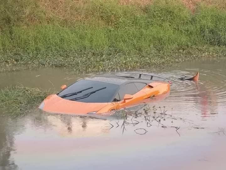 Siêu xe Lamborghini Gallardo gặp nạn tại tỉnh Pathum Thani
