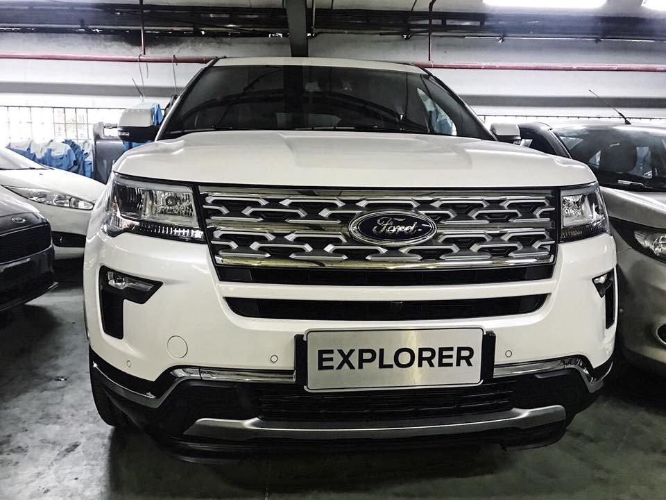Đầu xe Ford Explorer