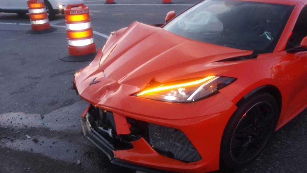 Chiếc Chevrolet Corvette C8 2020 lúc ở hiện trường vụ tai nạn