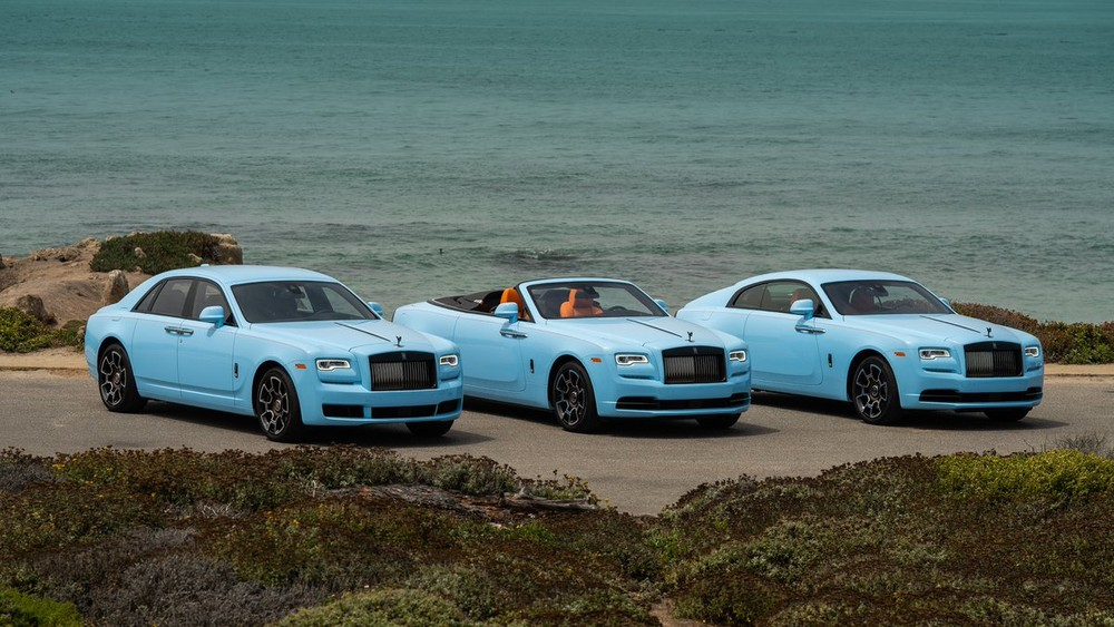 From left to right are Rolls-Royce Ghost, Rolls-Royce Dawn and Rollls-Royce Wraith in tones of exclusive Quail Blue suits ...