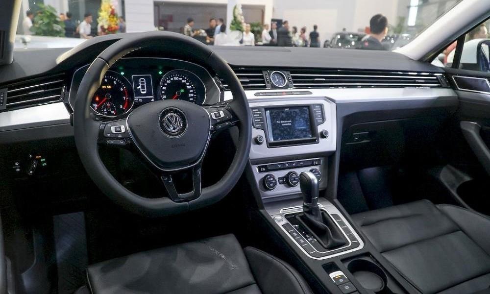 Vô-lăng xe Volkswagen Passat