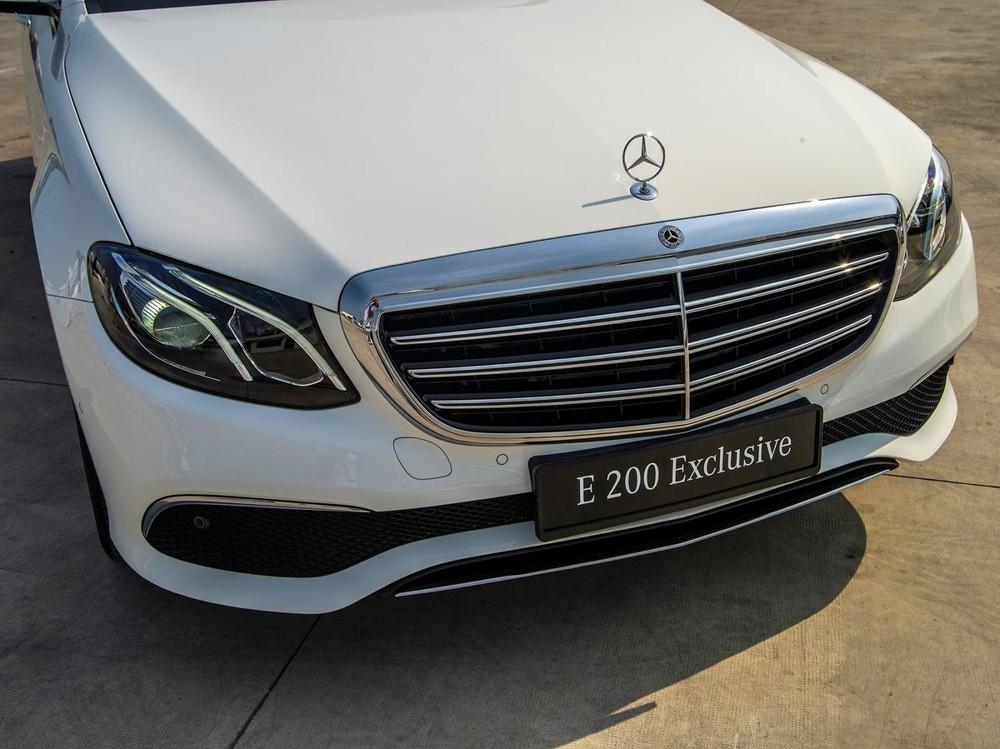 Đầu xe Mercedes-Benz e 200 Exclusive 2020