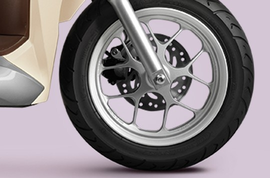Lốp xe không xăm trên Honda Lead