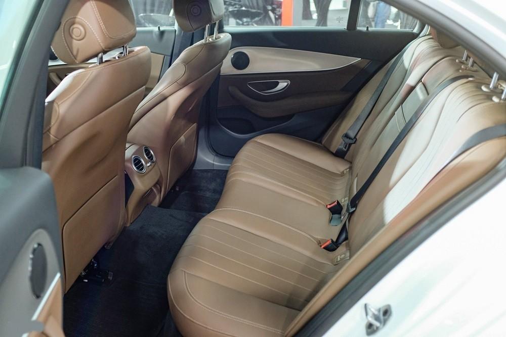 Ghế ngồi Mercedes-Benz E 180 2020