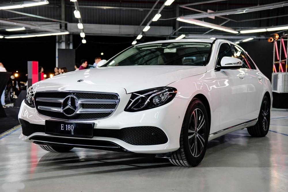 Giá xe Mercedes-Benz E 180 2020