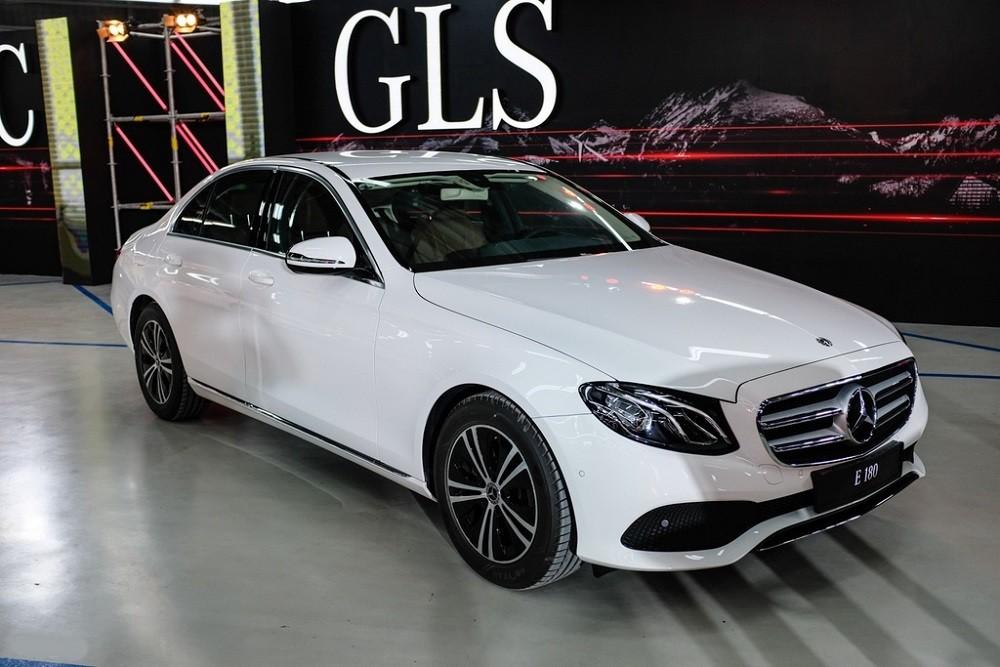 Thân xe Mercedes-Benz E 180 2020