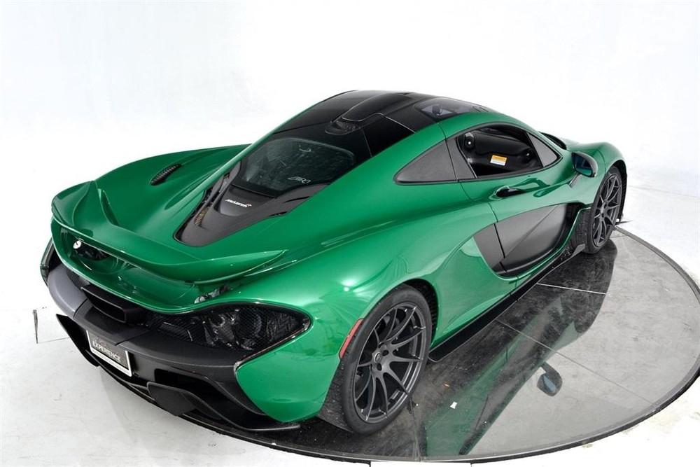 Vẻ đẹp của chiếc siêu xe McLaren P1 màu xanh Fusion Green Pearl 3 đang được rao bán.