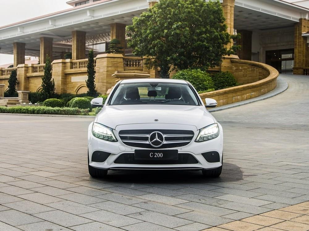 Mercedes Việt Nam vừa giới thiệu bản C 180 nhằm thay thế cho bản C 200