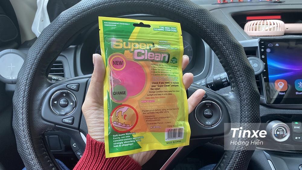 Loại gel dẻo được quảng cáo có tác dụng tốt trong việc vệ sinh nội thất xe và giá rất rẻ.