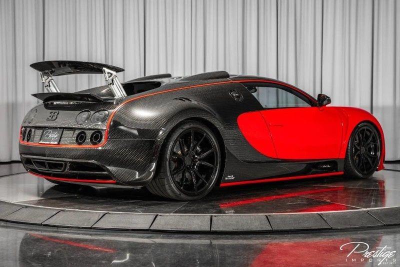 Được biết, chiếc Bugatti Veyron Mansory Linea Vivere đang rao bán với mức giá 32,8 tỷ đồng là chiếc Bugatti Veyron duy nhất trên thế giới sử dụng hệ dẫn động cầu sau.
